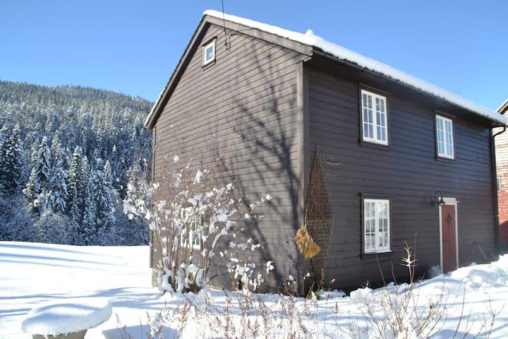 Gamlahuset -charming and idyllic old farmhouse