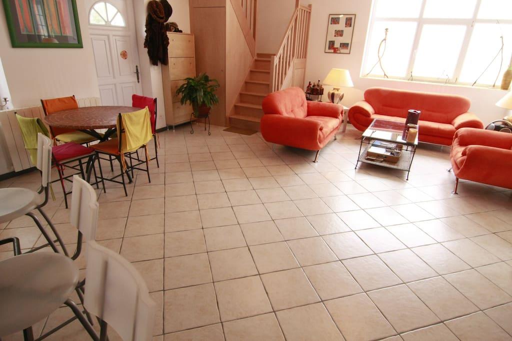 lounge/salon