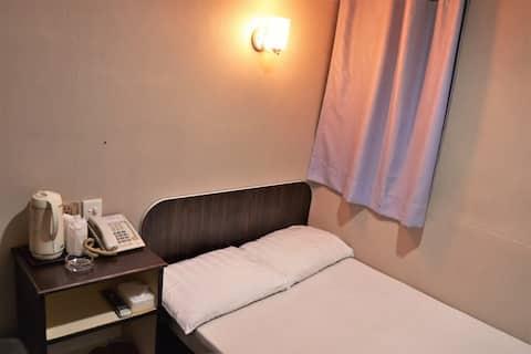 [可月租Monthly rent]市區雙人房Double Room (Licensed house)