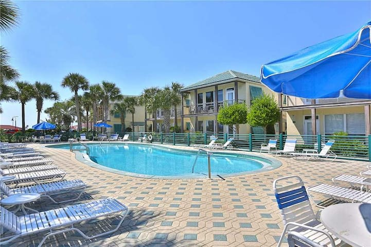 Beautiful  lakefront condo with beach views and shared pool!