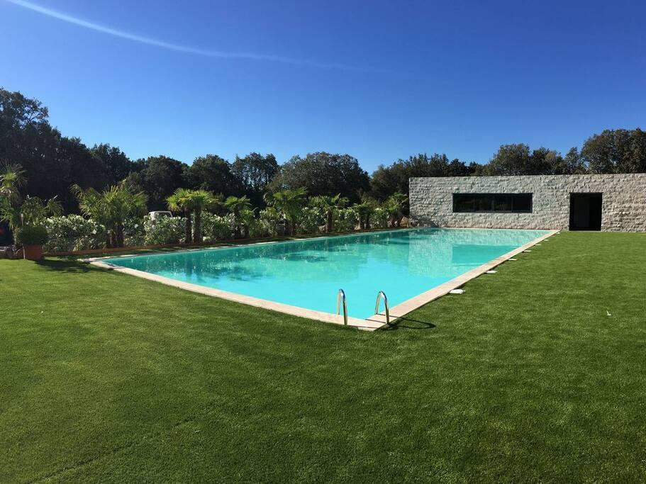 Grande piscine, accès salle de sport avec coach sur réservation (option)