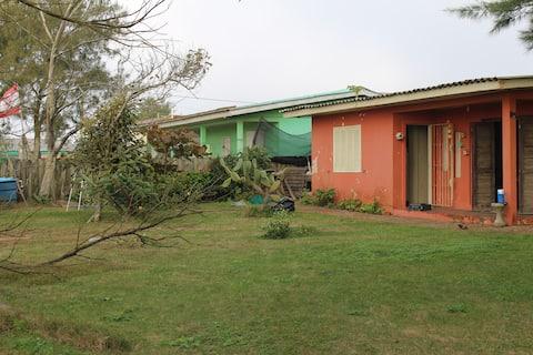 Casa (1) em frente a Praia no Centro de Magisterio