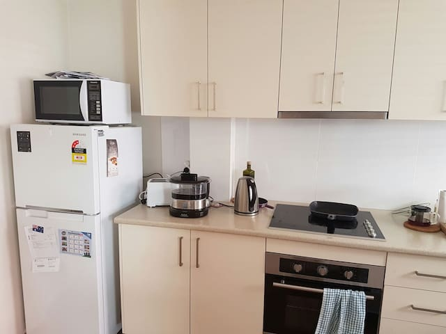 A room in a lovely unit at Ryde - Ryde, New South Wales, AU - Apartamento