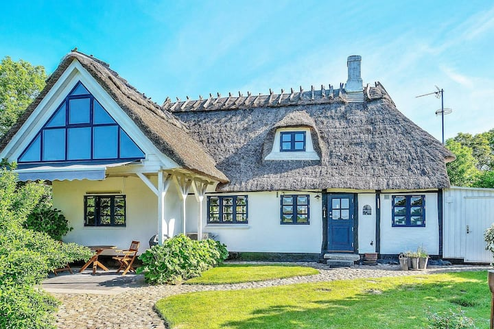 Traditional Holiday Home in Syddanmark with Sea Nearby