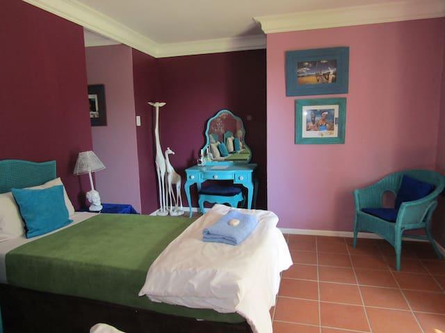 Sugar Hill Manor. Room 2