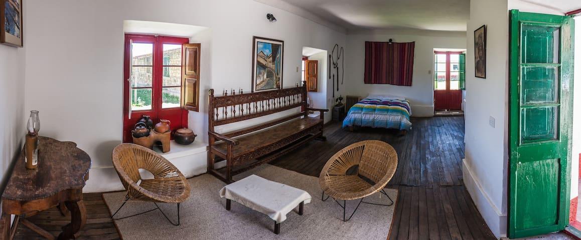 Fundo Chincheros twin room