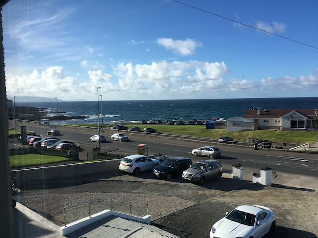 Stunning sea view apartment with private parking. - Portstewart - Huoneisto