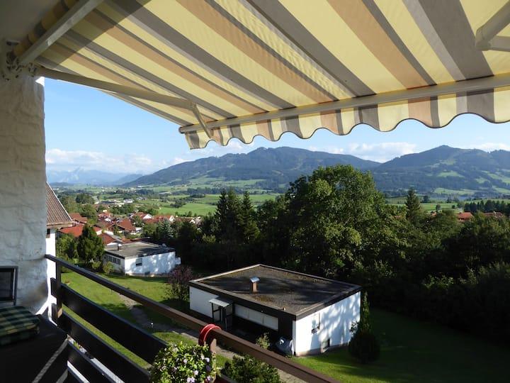 Ruhiges, schönes Appartement mit Bergblick