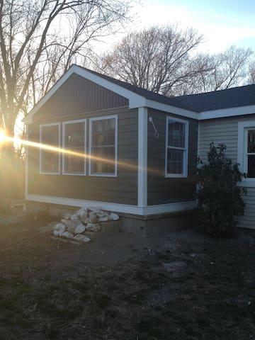 The 818 Vineyard Beach Cottage