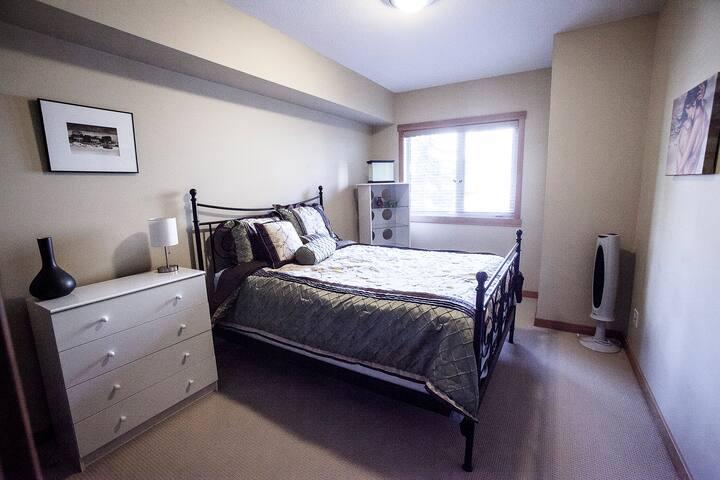 Spacious and Homey 3 BR/2 BA Condo  - Canmore - Apartmen