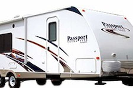 2011 Passport Ultralite 286RB - Camper/Roulotte
