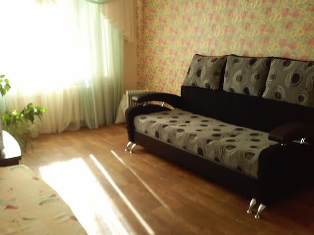 Уютная комната в городе Южный посуточно - Yuzhne - Daire