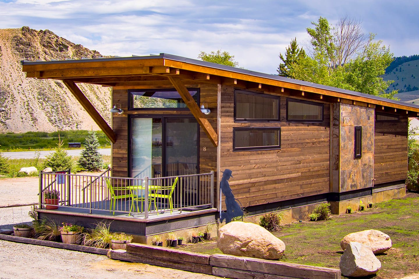 Rustic yet modern, 400 sq ft of living space, plus 100 sq ft deck