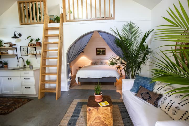 Cheerful, Relaxed Guesthouse in Lockeland Springs