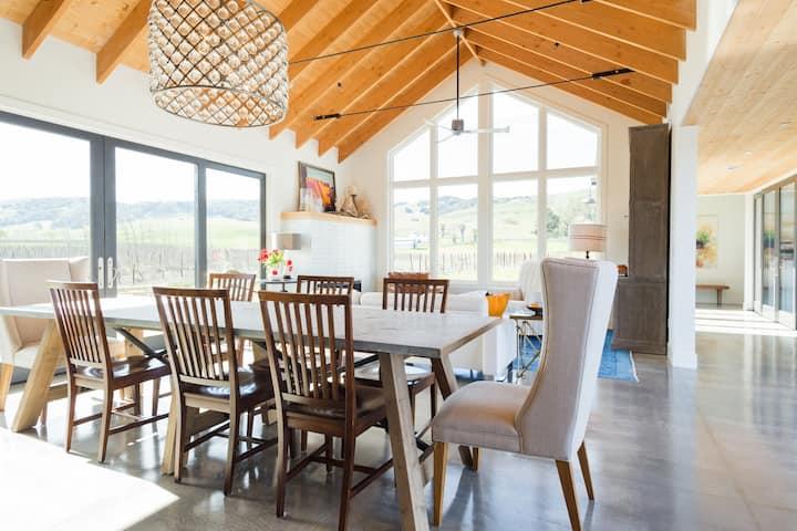 Sonoma Vineyard Farmhouse Estate w/Pool & Spa