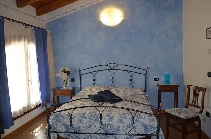 Camera con bagno privato in Agriturismo