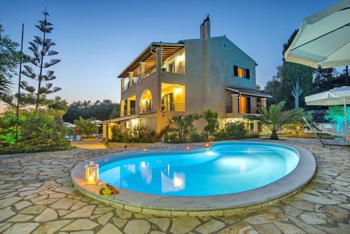 Bougainvillea - Galazio Sunset Villas