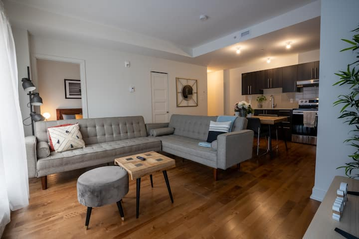 Unique® 2BR Condo Near Old Port - 5 min walk