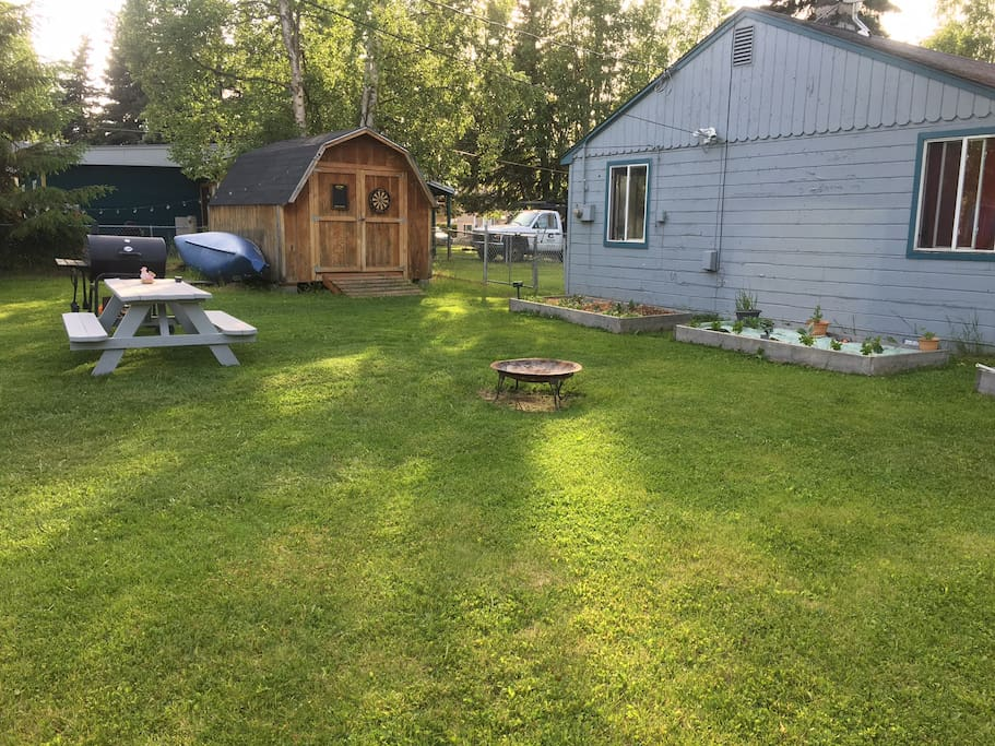 Large backyard, more outdoor chairs/couches available