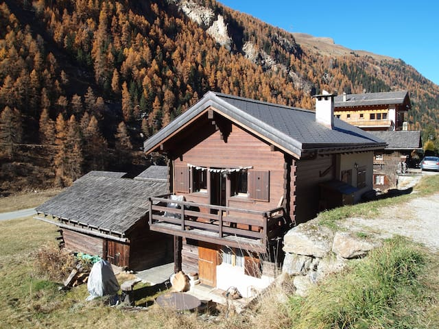 Fall in Love with Itrognon - Ayer - Almhütte