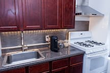 Kitchen - full kitchen access, complimentary coffee and tea