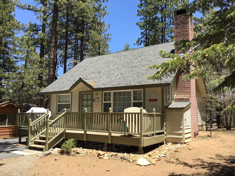 Comfortable cabin near snow summit cabins for rent in Big bear cabins california