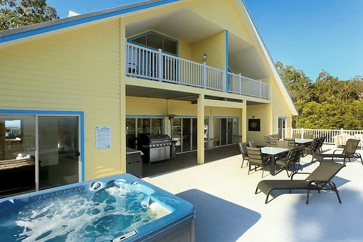 JAMEVIN LODGE Huntervalley 7 bedroom 6 Bathroom - Vacy - Talo
