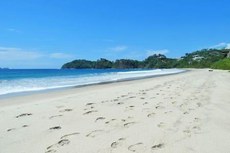 VILLA BRISAS TROPICALES - 4 beaches minutes away! - Playa Flamingo - Villa