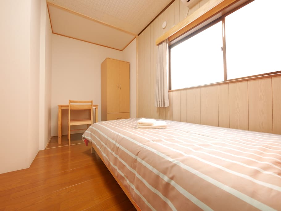 Private and Clean Room with comfy bed.