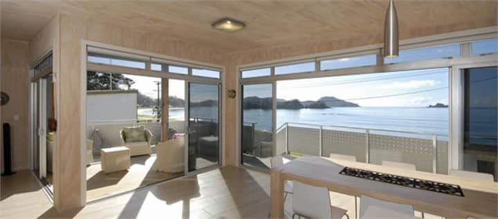 Luxury 5 bedroom beachfront holiday home
