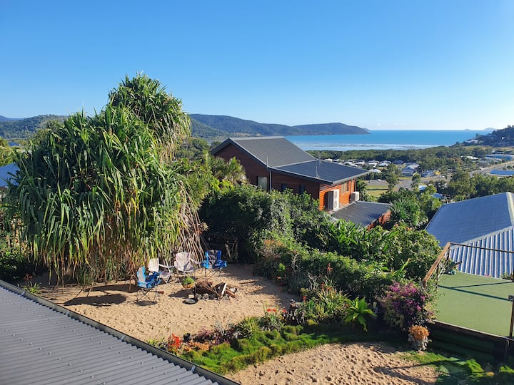 Whitsunday's Mountains to Sea Airbnb