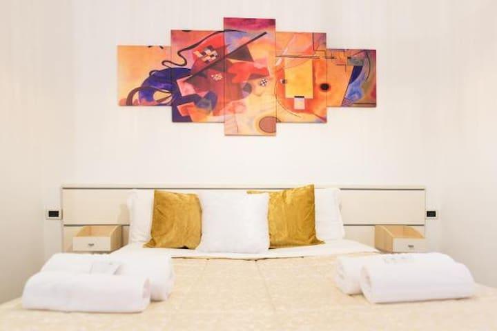 Light House Apartment- Bologna