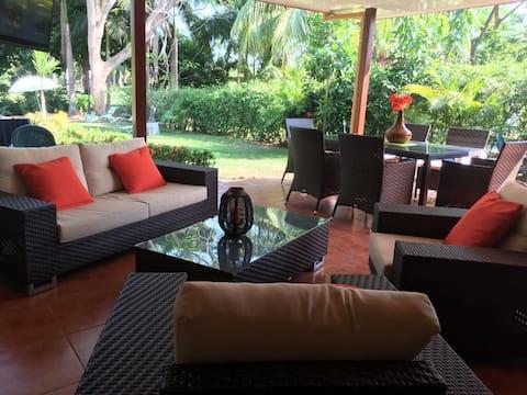 Villa Paraíso. Los Delfines Golf & Country Club