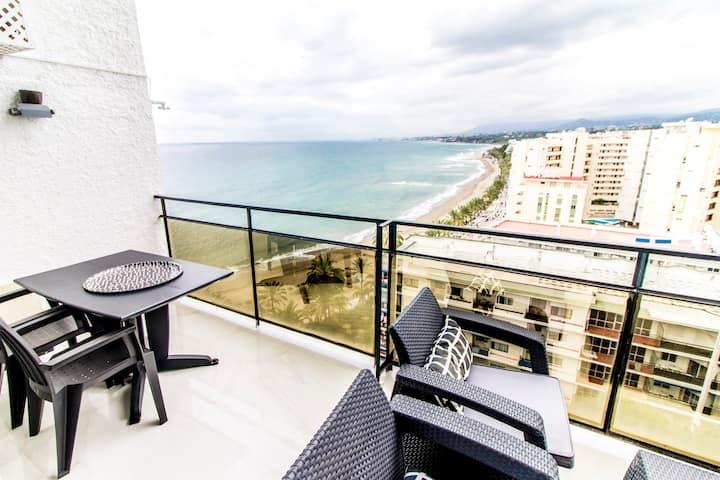 Skol 901A beachfront central luxury penthouse