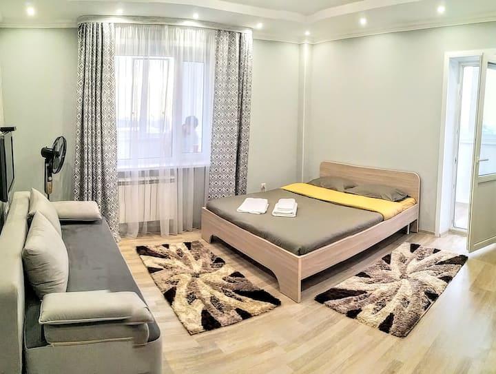 Самал-1 дом 33 1-комнатная в центре  Алматы