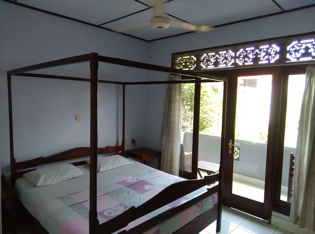 Celagi Inn ( single room in the first floor )