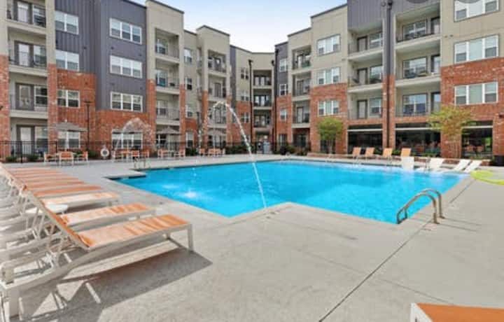 Stylish Nashville Stay- Free Parking & Nice Pool