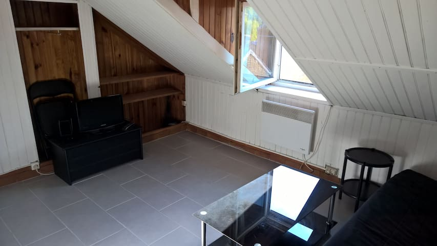 Studio meublé proximité plage - เลออาฟวร์