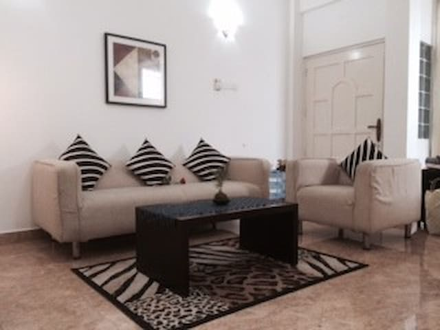 Beautiful one bedroom A/C apartment - Colombo - Daire