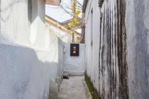 山映.40平米带独立院子锦溪古镇景区内超大床一号房