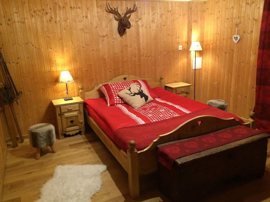 Superbe chambre avec jacuzzi chalets louer ch tel for Chambre avec jacuzzi suisse