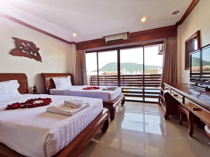 Patong Beach Mountain View luxury twin room