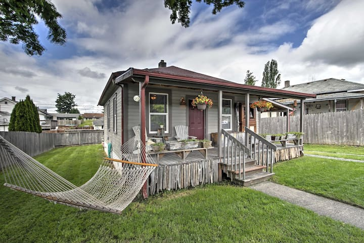 NEW! 2BR Eatonville House w/Private Fenced-in Yard