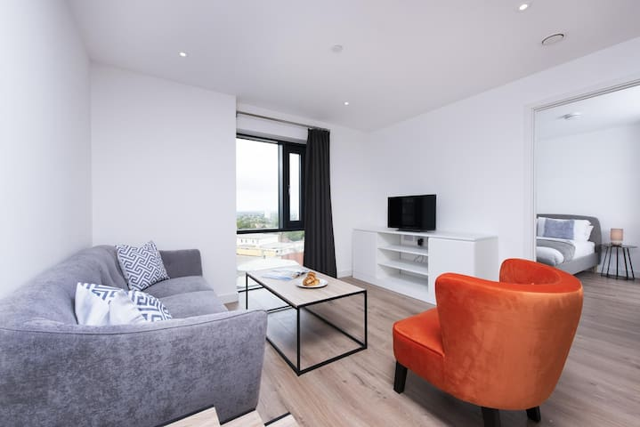 Chic and Modern 1BR, very close to the City Centre