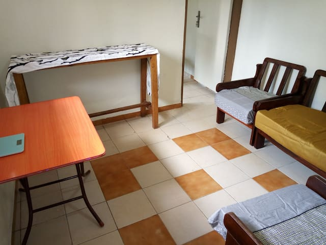 Two bedroom house, Mbuya -15 min to City ctr.