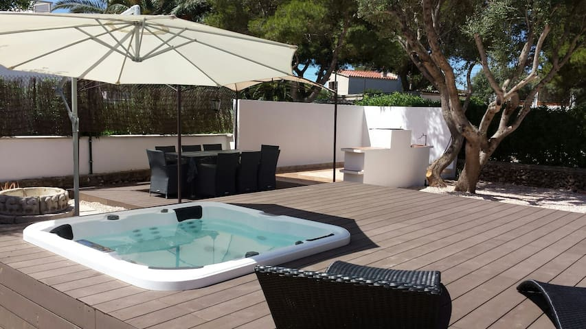 Villa with hot tub jacuzzi Menorca