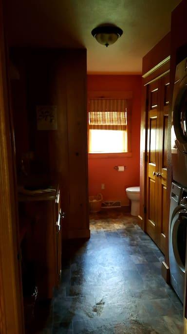 Full Bath w/Laundry
