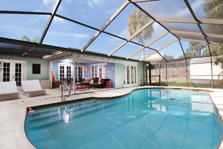Safety Harbor Getaway Villa with pool