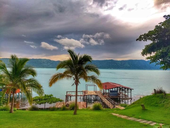 Casa de Lago en Coatepeque