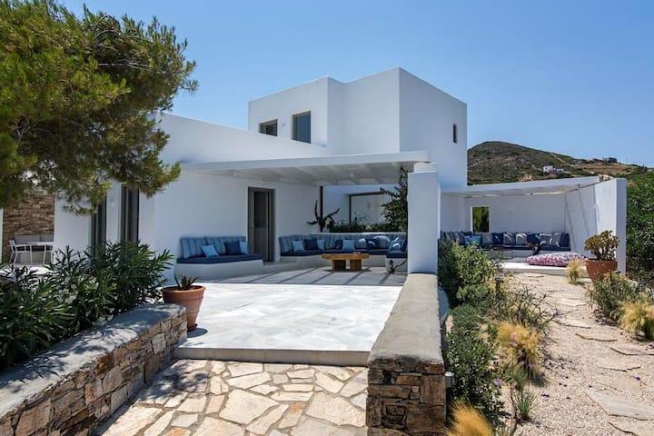 Daphne House, Antiparos
